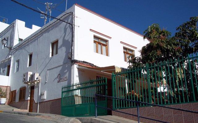 Отель Pensión Eva вид на фасад