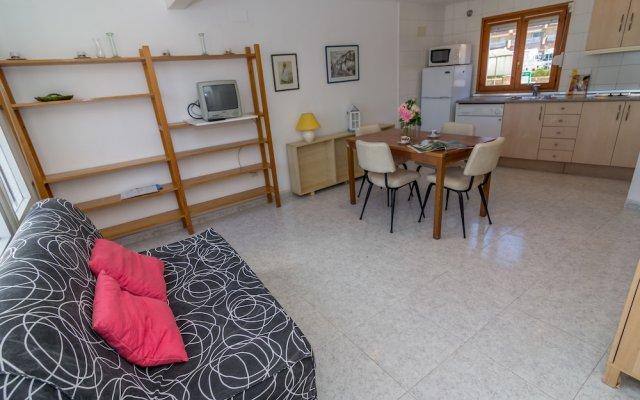 Отель Agi Port de Roses Испания, Курорт Росес - отзывы, цены и фото номеров - забронировать отель Agi Port de Roses онлайн комната для гостей