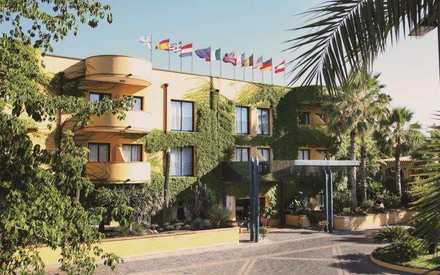 Hotel Caesar Palace Джардини Наксос вид на фасад