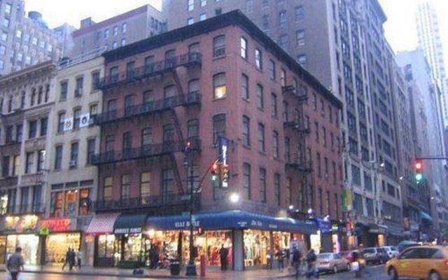 Отель Americana Inn вид на фасад