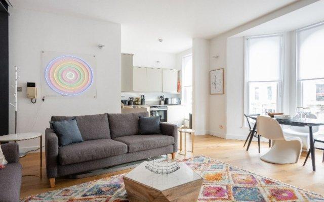 Отель The Notting Hill Nook - Bright & Quiet 2BDR Apartment Великобритания, Лондон - отзывы, цены и фото номеров - забронировать отель The Notting Hill Nook - Bright & Quiet 2BDR Apartment онлайн комната для гостей