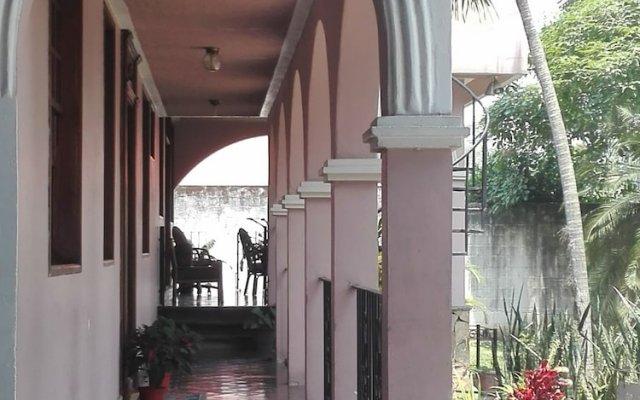 Отель Casa Colonial Bed And Breakfast Гондурас, Сан-Педро-Сула - отзывы, цены и фото номеров - забронировать отель Casa Colonial Bed And Breakfast онлайн вид на фасад