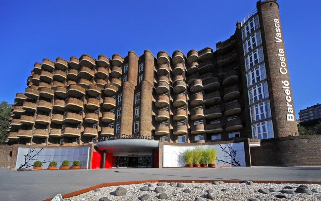 Отель Barcelo Costa Vasca Сан-Себастьян вид на фасад