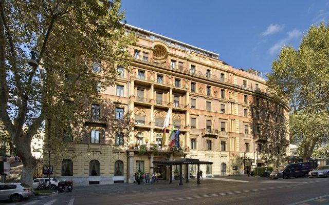 Ambasciatori Palace Hotel вид на фасад