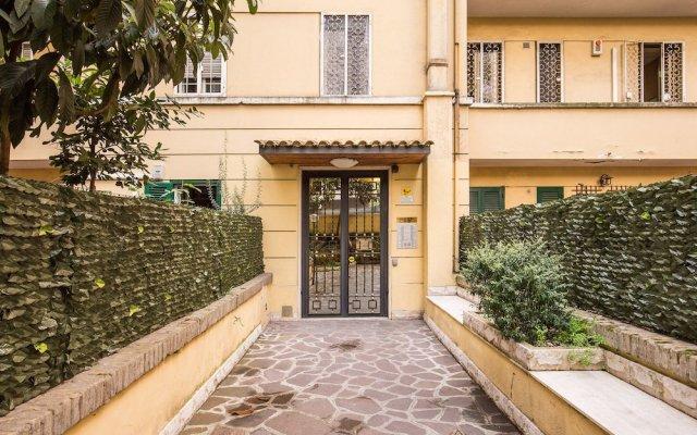 Апартаменты M&L Apartment - case vacanze a Roma вид на фасад