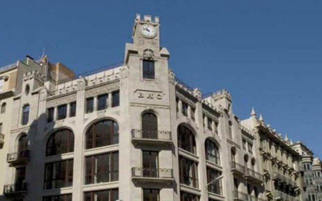 Hotel Barcelona Colonial вид на фасад