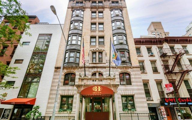 Отель 31 США, Нью-Йорк - 10 отзывов об отеле, цены и фото номеров - забронировать отель 31 онлайн вид на фасад