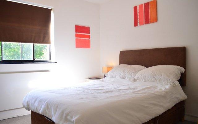 Отель 1 Bedroom Flat in East London Великобритания, Лондон - отзывы, цены и фото номеров - забронировать отель 1 Bedroom Flat in East London онлайн комната для гостей
