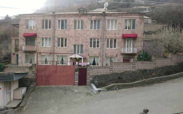 Hotel Yan - Hostel вид на фасад