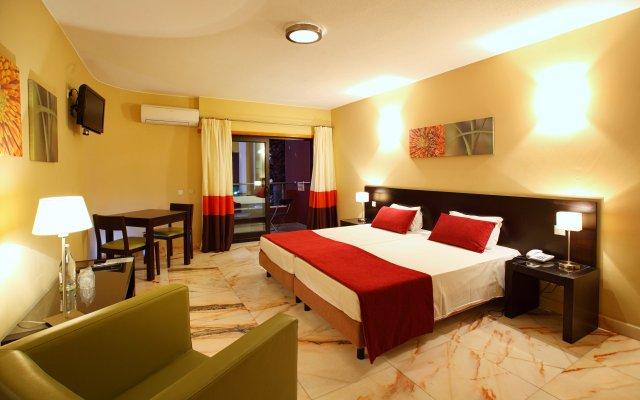 Topazio Mar Beach Hotel And Apartments Албуфейра комната для гостей