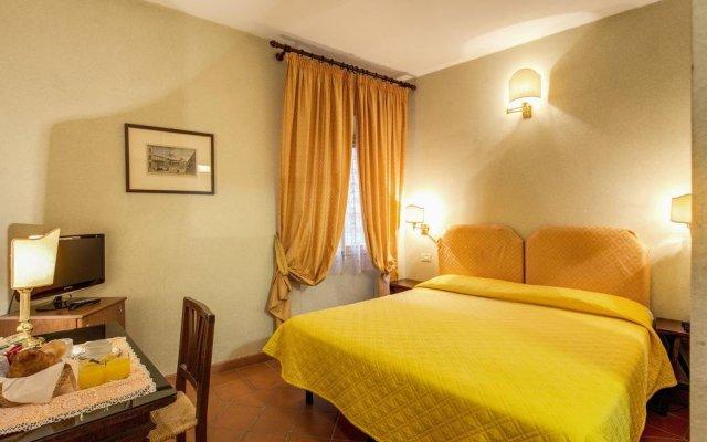 Hotel Rex комната для гостей