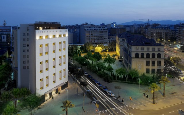 Отель Eurostars Monumental вид на фасад