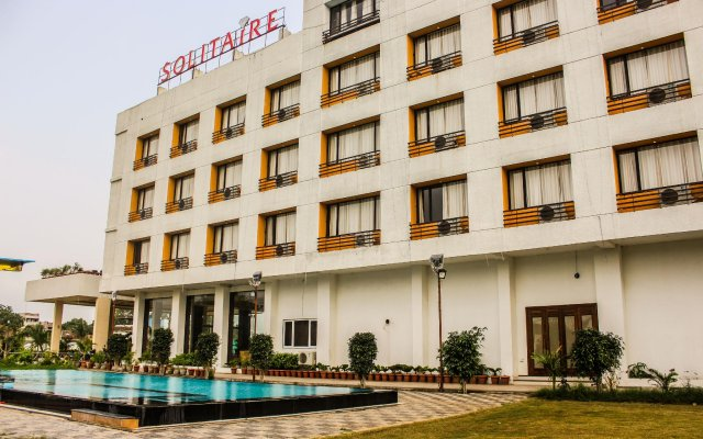 Solitaire Hotel and Resort in Ujjain, India from 30$, photos, reviews - zenhotels.com hotel front
