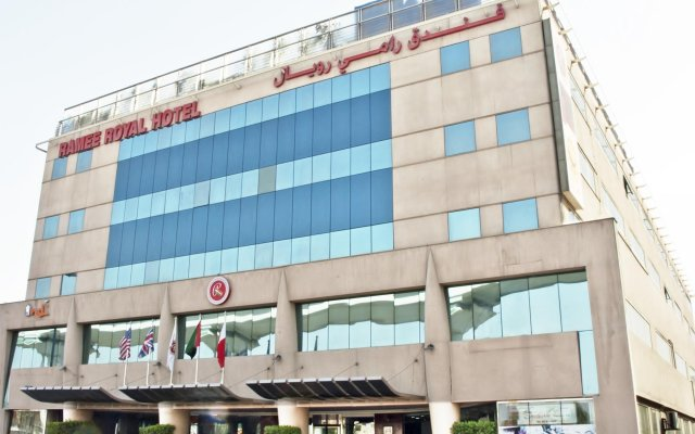 Отель Ramee Royal Hotel ОАЭ, Дубай - отзывы, цены и фото номеров - забронировать отель Ramee Royal Hotel онлайн вид на фасад