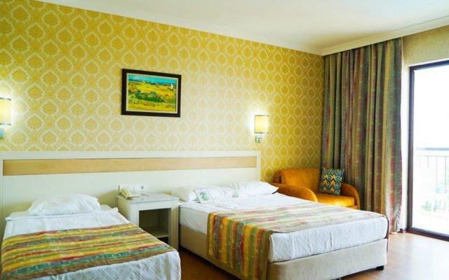 Отель Lyra Resort - All Inclusive Сиде комната для гостей