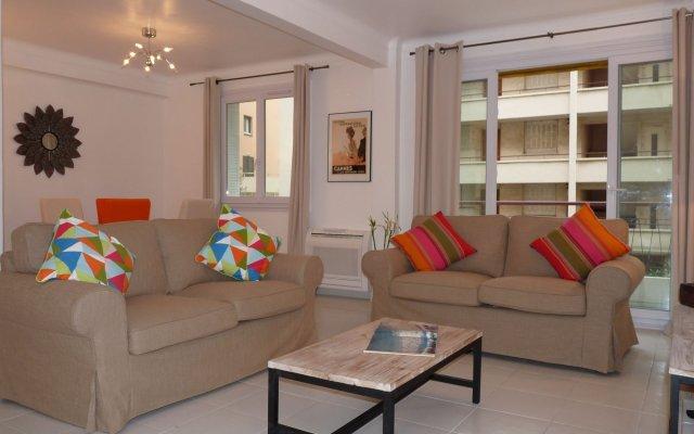 Apartment 82 2