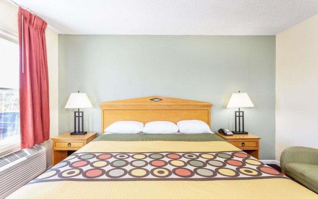 Отель Super 8 by Wyndham Manning комната для гостей