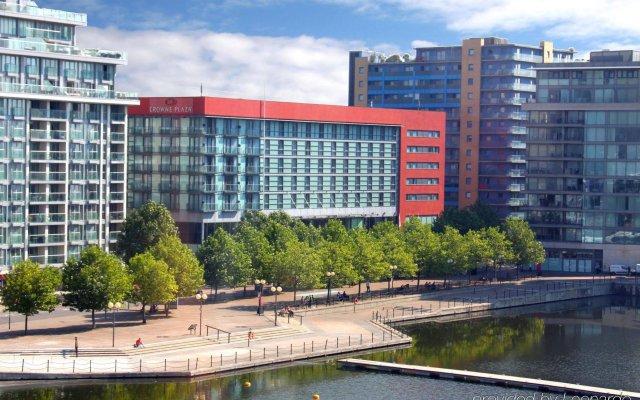 Отель Crowne Plaza London - Docklands Великобритания, Лондон - отзывы, цены и фото номеров - забронировать отель Crowne Plaza London - Docklands онлайн вид на фасад
