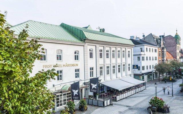 First Hotel Mårtenson вид на фасад