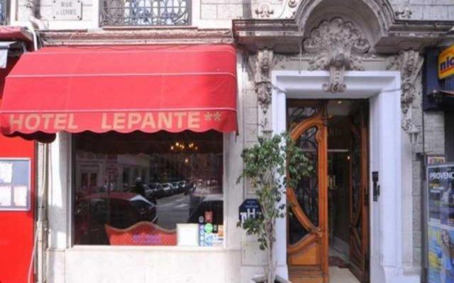 Отель Hôtel Lépante вид на фасад