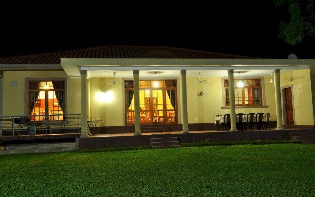 Отель Lake View Bungalow Yala вид на фасад