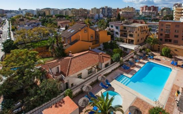 Отель Embajador Apartamentos Испания, Фуэнхирола - отзывы, цены и фото номеров - забронировать отель Embajador Apartamentos онлайн