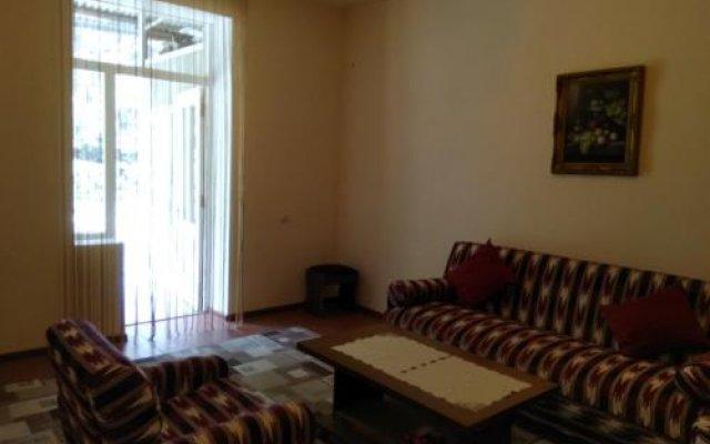 Отель Family House Армения, Цахкадзор - отзывы, цены и фото номеров - забронировать отель Family House онлайн комната для гостей