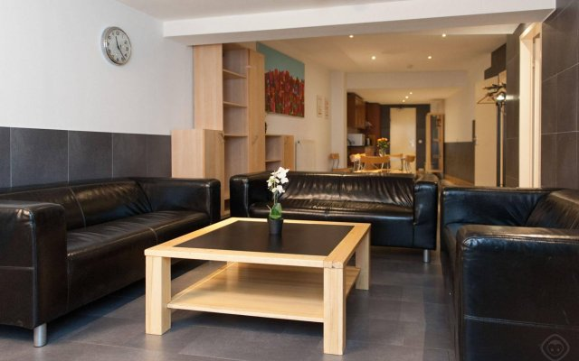 Апартаменты Monnikenstraat Apartments интерьер отеля