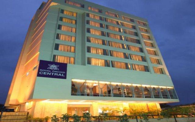 Отель Royal Orchid Central Jaipur вид на фасад