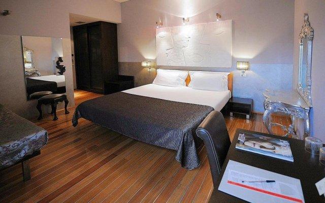 Отель Borghese Palace Art Hotel Италия, Флоренция - 1 отзыв об отеле, цены и фото номеров - забронировать отель Borghese Palace Art Hotel онлайн сейф в номере