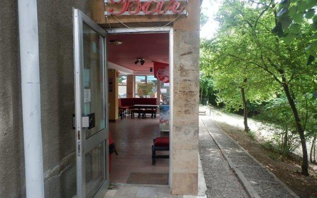 Отель Olimpia Supersnab Hotel Болгария, Балчик - отзывы, цены и фото номеров - забронировать отель Olimpia Supersnab Hotel онлайн вид на фасад