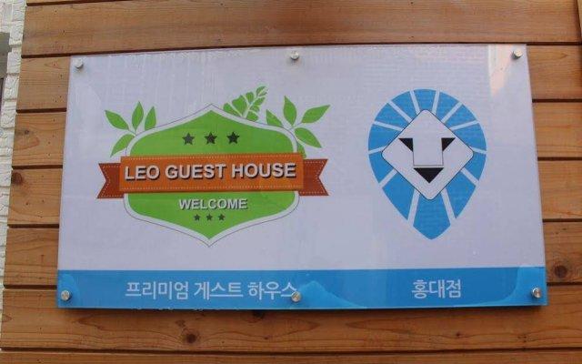 Отель 24 Guesthouse Hongdae вид на фасад