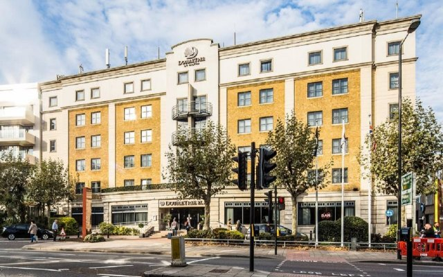 Отель Doubletree by Hilton Angel Kings Cross Лондон вид на фасад