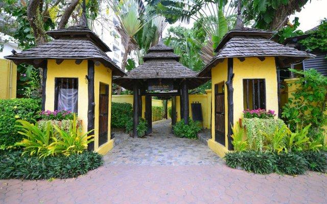 Отель Supatra Hua Hin Resort вид на фасад