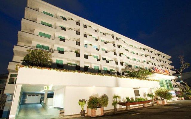 Отель The Laurel Suite Apartment Таиланд, Бангкок - отзывы, цены и фото номеров - забронировать отель The Laurel Suite Apartment онлайн вид на фасад