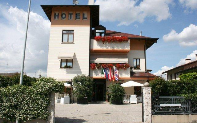 Отель Small Hotel Royal Италия, Падуя - отзывы, цены и фото номеров - забронировать отель Small Hotel Royal онлайн вид на фасад