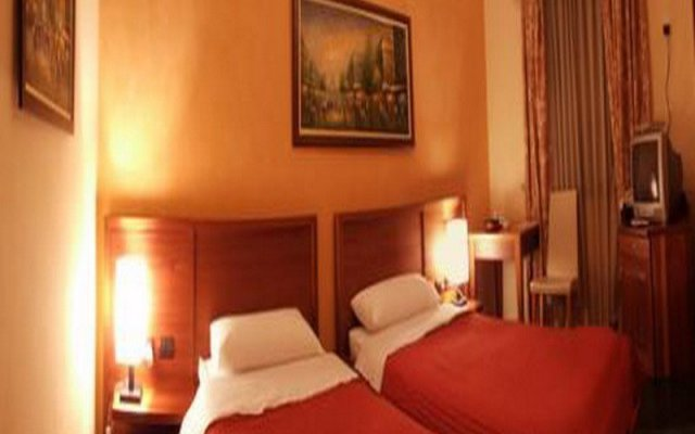 Nov Hotel 2