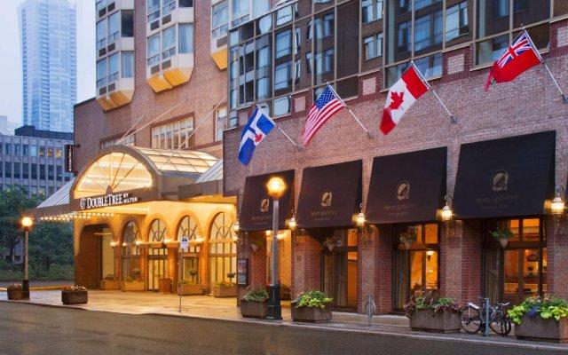 Отель DoubleTree by Hilton Hotel Toronto Downtown Канада, Торонто - отзывы, цены и фото номеров - забронировать отель DoubleTree by Hilton Hotel Toronto Downtown онлайн вид на фасад