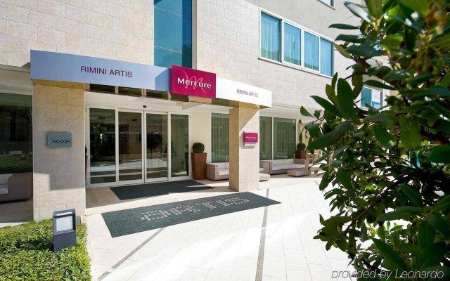 Отель Mercure Rimini Artis вид на фасад