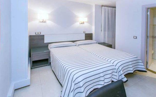 Отель Hostal Plaza Испания, Сантандер - отзывы, цены и фото номеров - забронировать отель Hostal Plaza онлайн комната для гостей