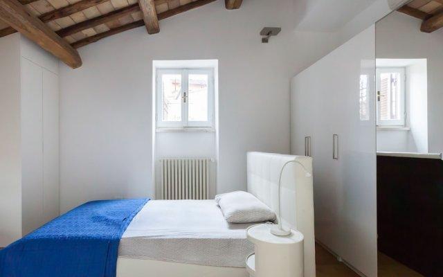 Апартаменты Habitat's Pantheon Apartments Рим комната для гостей