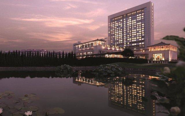 Shangri-La Hotel, Xian вид на фасад