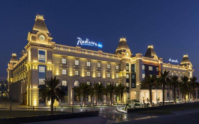 Radisson Blu Hotel, Ajman вид на фасад