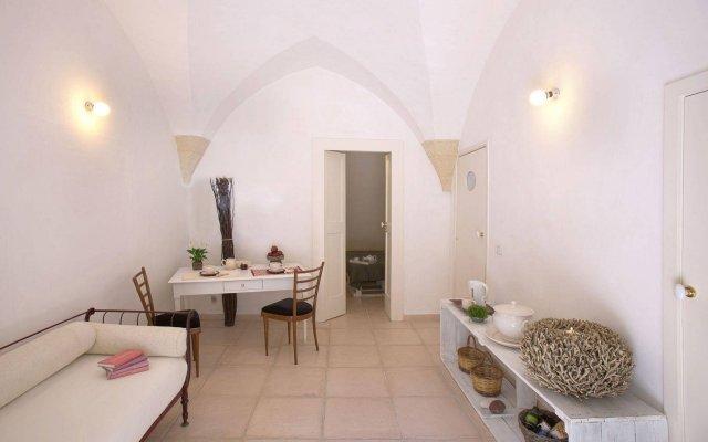 Отель B&B Corte dei Romiti Лечче комната для гостей