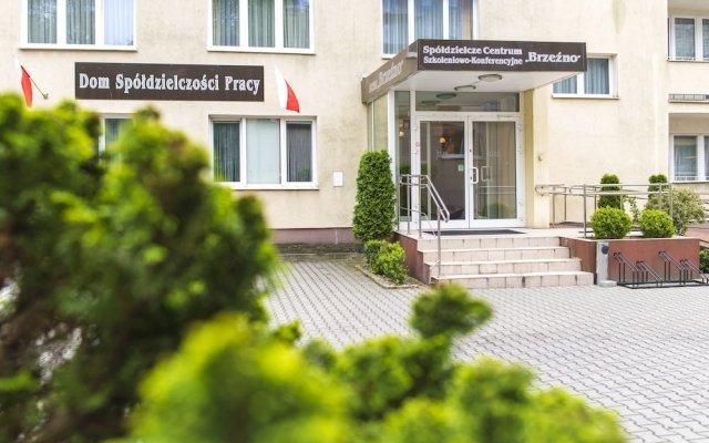 Отель SCSK Brzeźno Польша, Гданьск - 1 отзыв об отеле, цены и фото номеров - забронировать отель SCSK Brzeźno онлайн вид на фасад