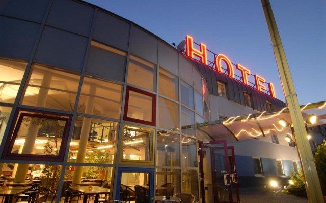 Отель Eurohotel Vienna Airport вид на фасад