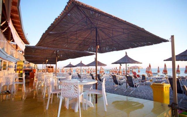 Aragosta Hotel & Restaurant 2