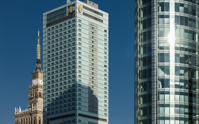 Отель InterContinental Warsaw вид на фасад