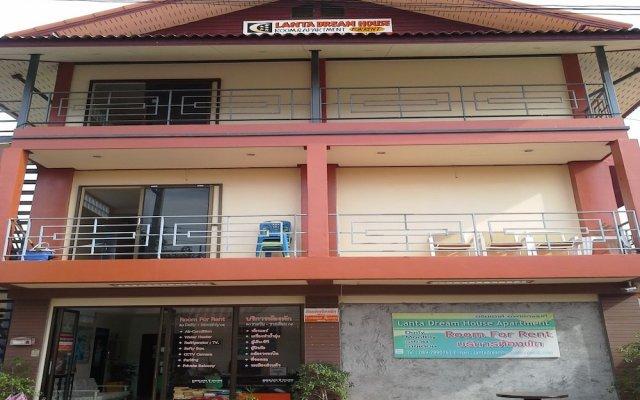Апартаменты Lanta Dream House Apartment Ланта вид на фасад