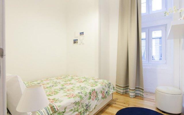 Отель We Love F Tourists Лиссабон комната для гостей